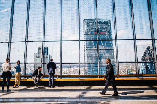 Viagem corporativa aos EUA: entenda o que é VWP e Global Entry