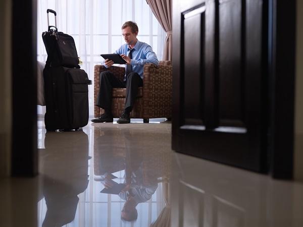 Como ganhar descontos em hospedagem corporativa?