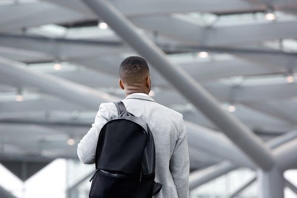 O que levar na bagagem de mão no avião em viagens corporativas